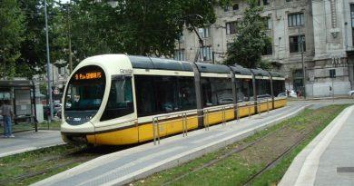 Tram in viale Vittorio Veneto