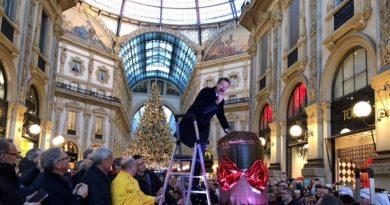 Milano panettone gratis Beppe Sala