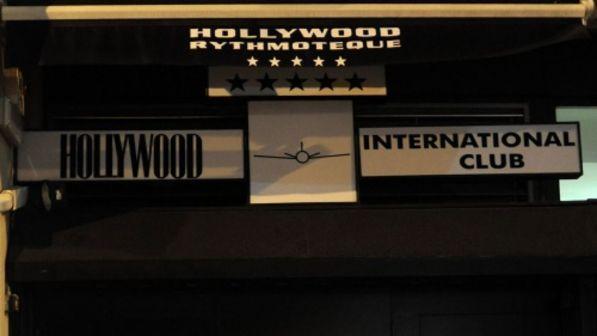 Spray al peperoncino nella discoteca Hollywood