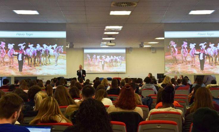 Il circo in università - Il docente Alessandro Serena