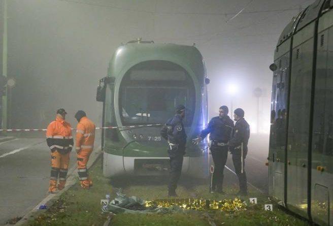investito e ucciso da un tram