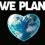 We Planet: 100 globi d'artista per raccontare un futuro sostenibile