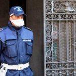 Obbligo di proteggersi con mascherine e sciarpe quando si esce di casa in Lombardia