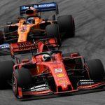Carlos Sainz junior in Ferrari, Sebastian Vettel alla McLaren