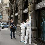 Rapinata una filiale milanese della Banca Popolare di Sondrio: direttore, dipendenti e clienti chiusi in bagno
