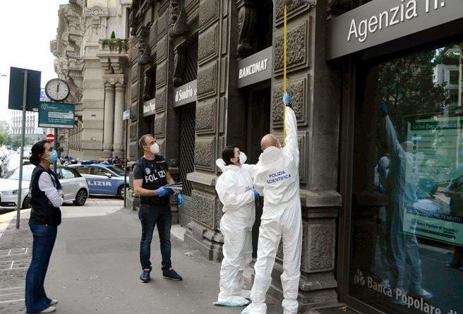 Milano rapina filiale Banca Popolare di Sondrio