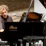 Luciano D'Abbruzzo domani live a Milano