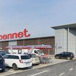 Bennet compra tre ipermercati da Conad