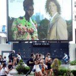 La moda a Milano va in passerella a porte chiuse ma in versione digitale e su maxi schermi