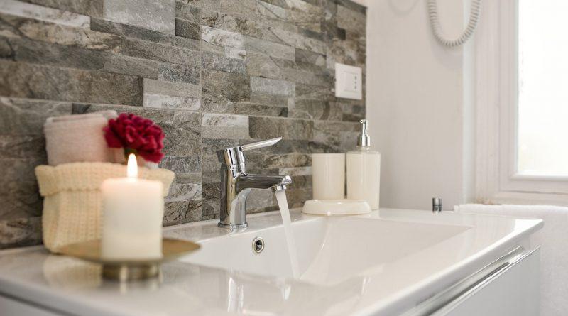Come scegliere i mobili perfetti per il bagno