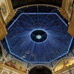 Si avvicina il Natale e Milano prepara: si accendono le luci in Galleria