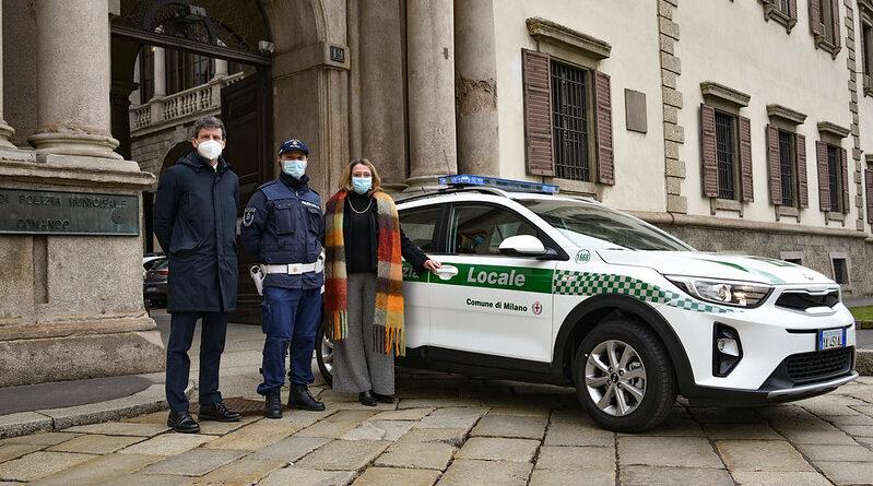 auto ibride polizia locale Milano
